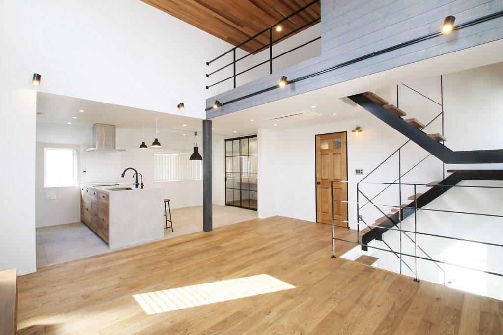 「狭小地で家を建てる。」について、WEBマガジンを始めます。